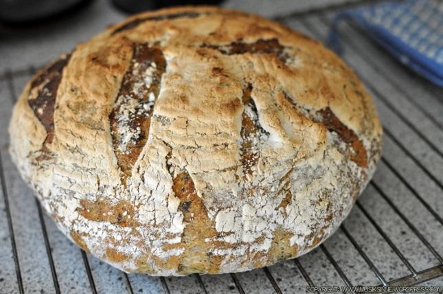 Det färdiga brödet. Pass på så det inte bränns!